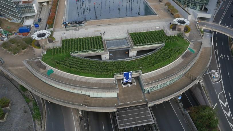 UFLY Drones - photo architecture par drone - La Défense 2 - avant